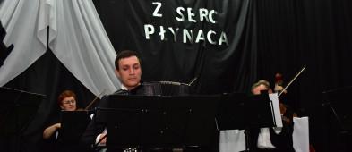 Wieczór pełen emocji: Koncert w Kęsowie ZDJĘCIA-7221