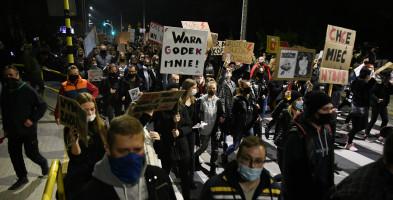Protestujący tłum przeszedł ulicami Tucholi  GALERIA ZDJĘĆ-7266