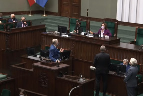 """Skandal w polskim Sejmie. Braun do ministra: """"Będziesz wisiał"""" [VIDEO]-8628"""