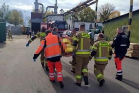 Koszmarny wypadek w tartaku! Listwa przebiła 22-latkę na wylot-8844