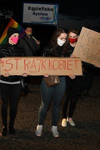 15 osób protestowało w Bysławiu (29.10.2020)-2435
