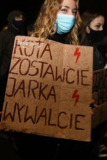"""""""Piekło Kobiet"""". Trzeci protest w Tucholi (30.10.2020)-2436"""